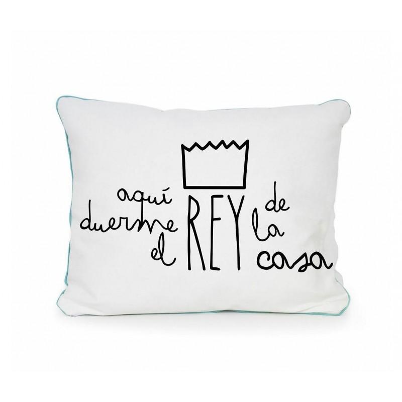 Cojin Aqui Duerme Rey