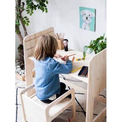 Escritorio estilo Montessori